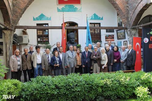 Turan Kültür Merkezi - Türk Dünyası Araştırmaları Vakfı Örneğinde Vakıf ve Sivil toplum Analizi